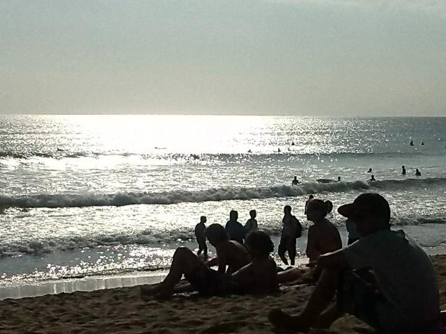 tramonto in spiaggia a Kuta