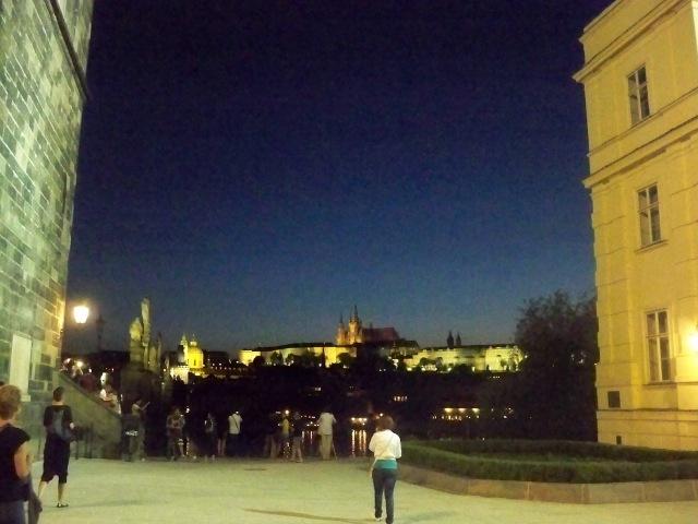le magiche luci della Praga notturna